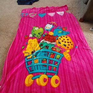 Shopkins large blanket